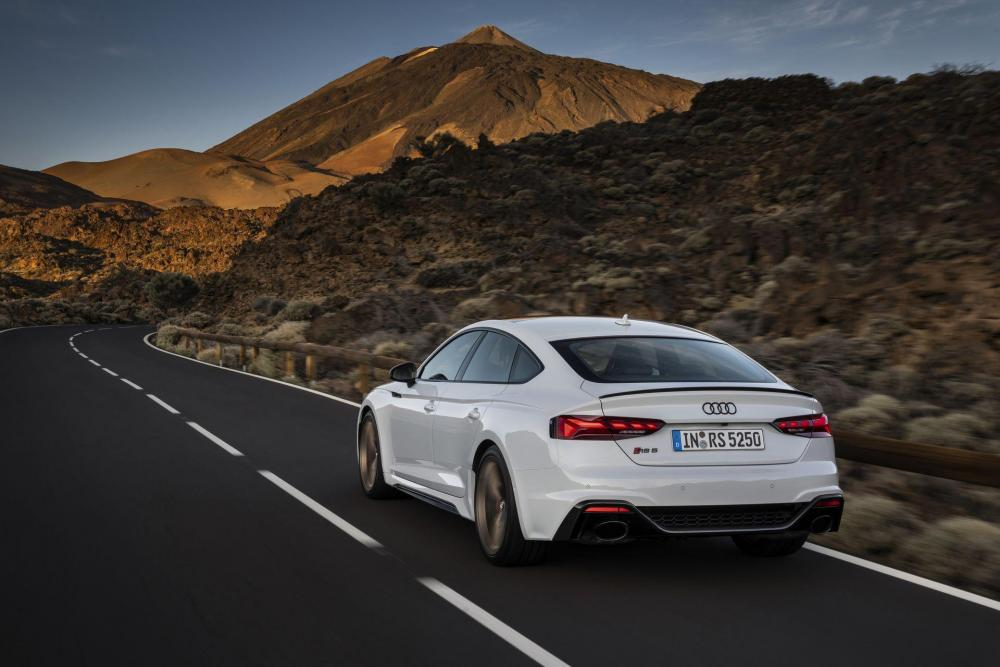 Audi-RS5-Coupe-and-Sportback-facelift-2020-6.jpg