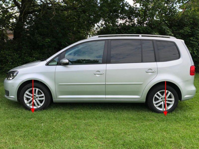2013-VW-Touran-profile-L.jpg